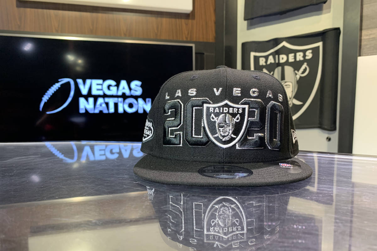 La gorra oficial del Draft 2020 de Los Raiders. (Le'Andre Fox/Las Vegas Review-Journal)