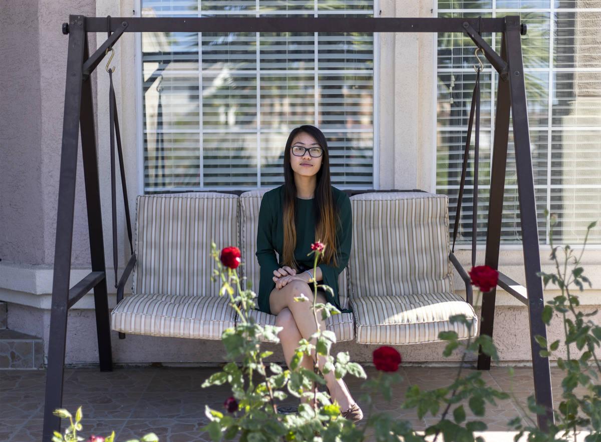 Brittney Tran, estudiante de último año de Nevada State High School, en su casa el viernes, 1 ...