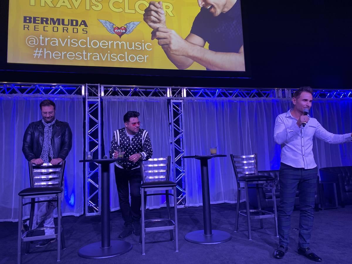 Travis Cloer aparece con Tony Moreno, en el extremo izquierdo, y Frankie Moreno en Notoriety en ...