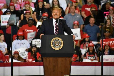"""Archivo.- El presidente Donald J. Trump encabezó el mitin de campaña """"Keep America Great"""" ..."""