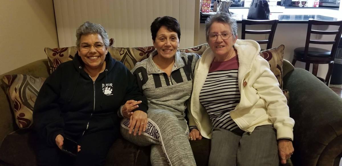 Michele Franzese Rustigan, izquierda, en la foto con su hermana Rosemarie Franzese, derecha, y ...