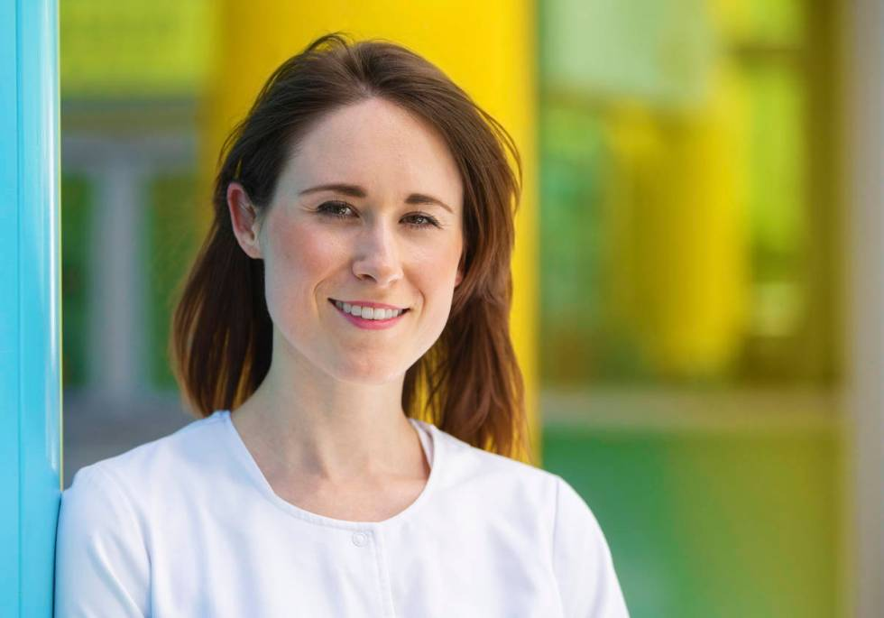 La enfermera Clare Gierth es una coordinadora de cuidados en la Clínica de Cleveland Centro Lo ...