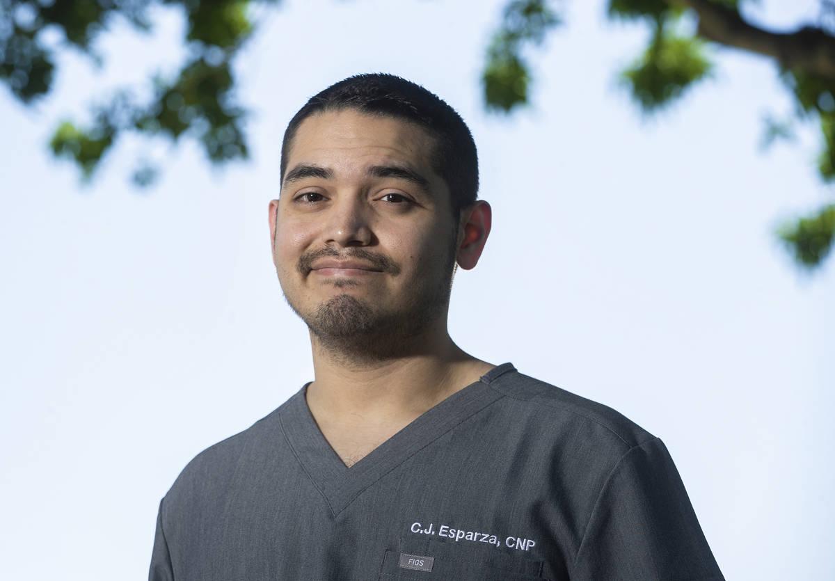 El enfermero practicante de urgencias Carlos Esparza está en el equipo de gestión de Optum. ( ...