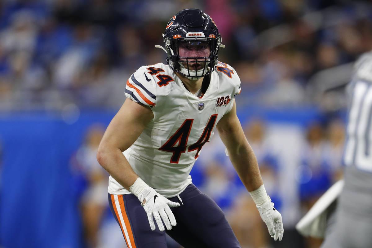 El linebacker de los Chicago Bears, Nick Kwiatkoski, juega contra los Lions de Detroit durante ...