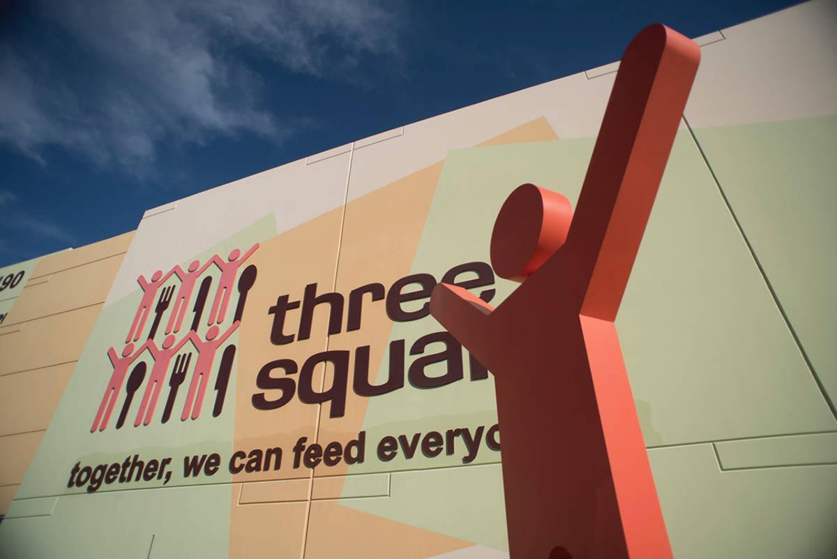 Three Square ha aumentado la distribución semanal de alimentos de 1 millón a 1.3 millones de ...