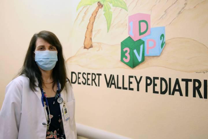 La Dra. Pamela Greenspon posa para una foto en Dessert Valley Pediatrics el martes, 5 de mayo d ...