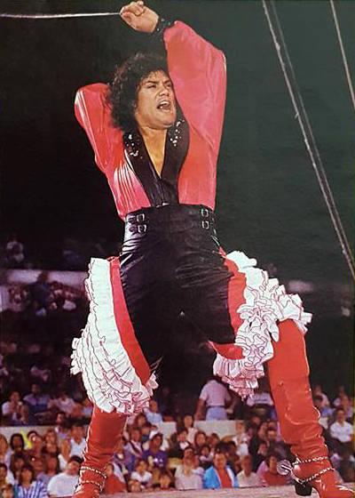 Luis A. Frías dirigía el grupo de danza Los Gauchos Latinos, que se presentaron con el Circo ...