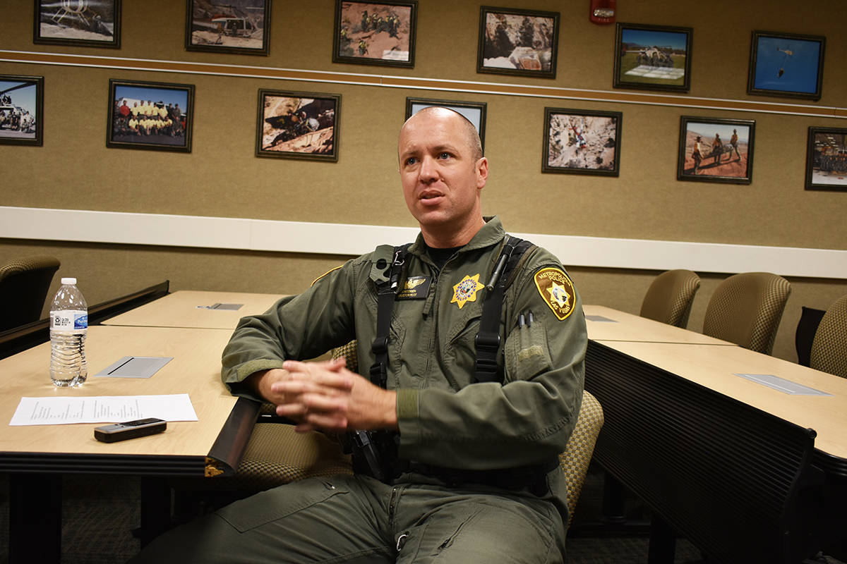 El oficial Ryan Petersen proporcionó una entrevista en español para informar a la comunidad h ...