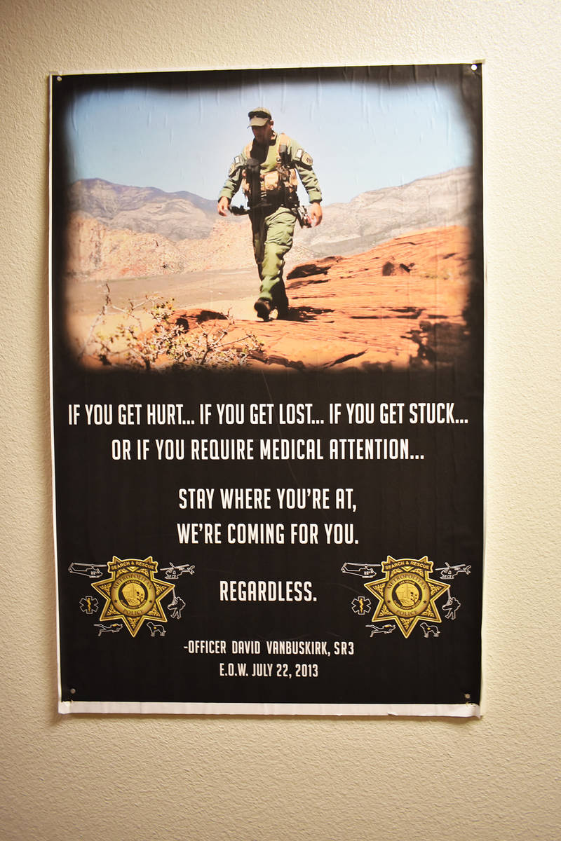 Imagen de recuerdo del oficial David Vanbuskirk, quien en 2013 perdió la vida durante una labo ...