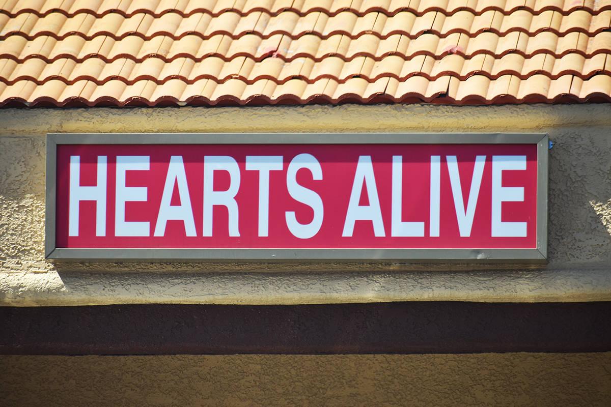 Exterior de las instalaciones de la organización protectora de animales, Hearts Alive Village. ...