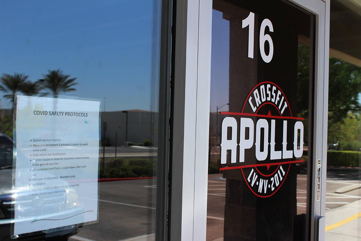 Crossfit Apollo al noreste de la ciudad, protestaron y demandaron contra el gobierno de Nevada ...