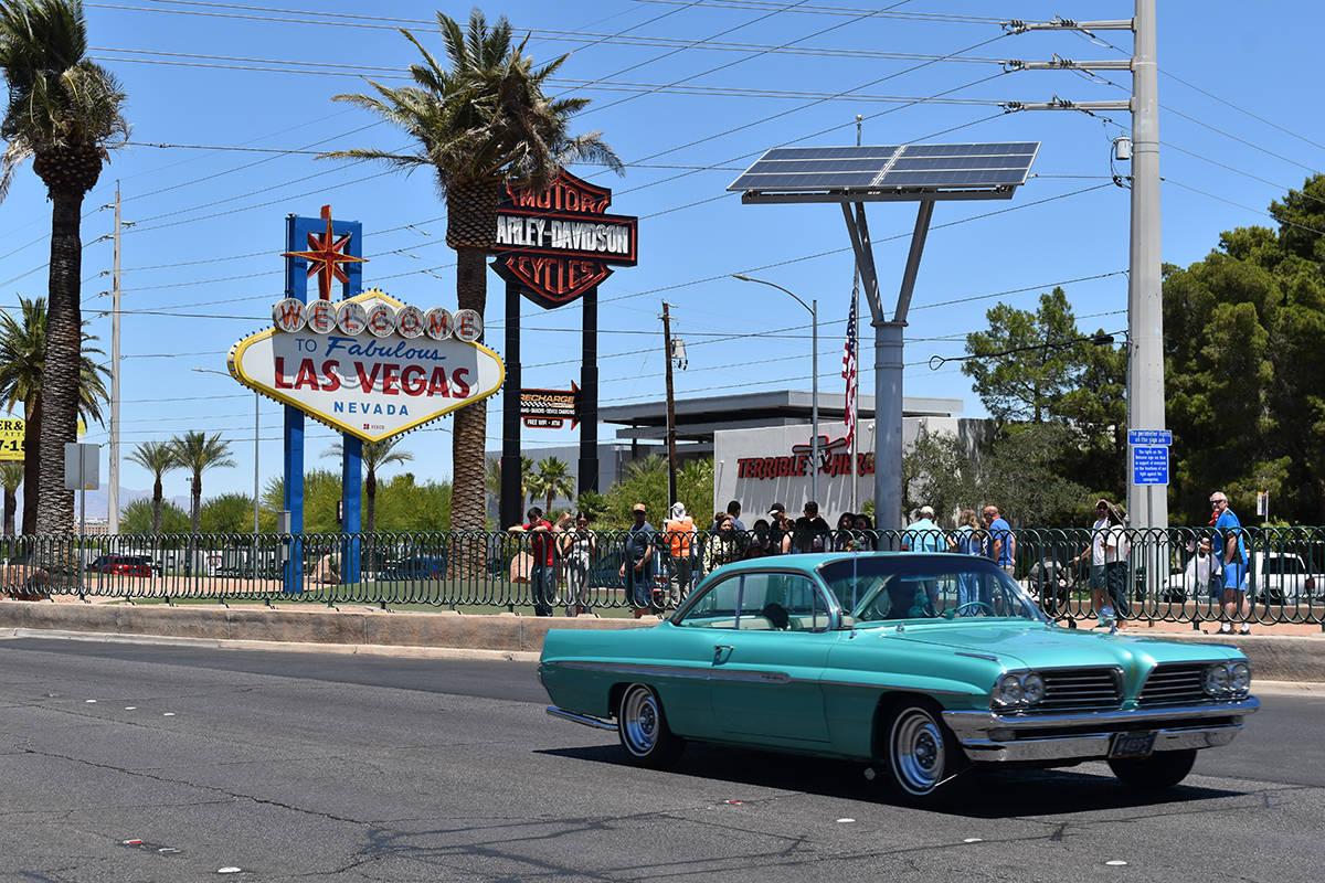 """Entre los vehículos participantes destacaron clásicos, personalizados, """"Street Rod"""", anti ..."""