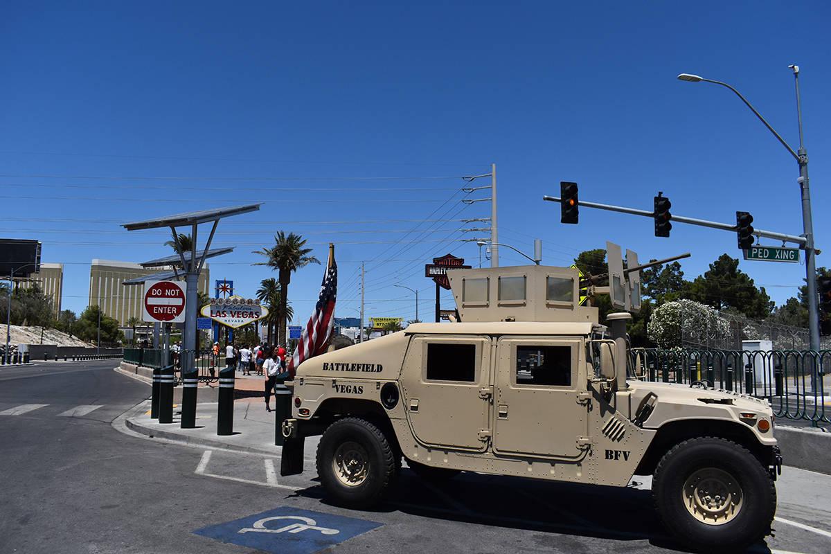 """""""Hot Rods for Heroes"""" efectuaron una caravana en el """"Día de los Caídos"""", con la parti ..."""