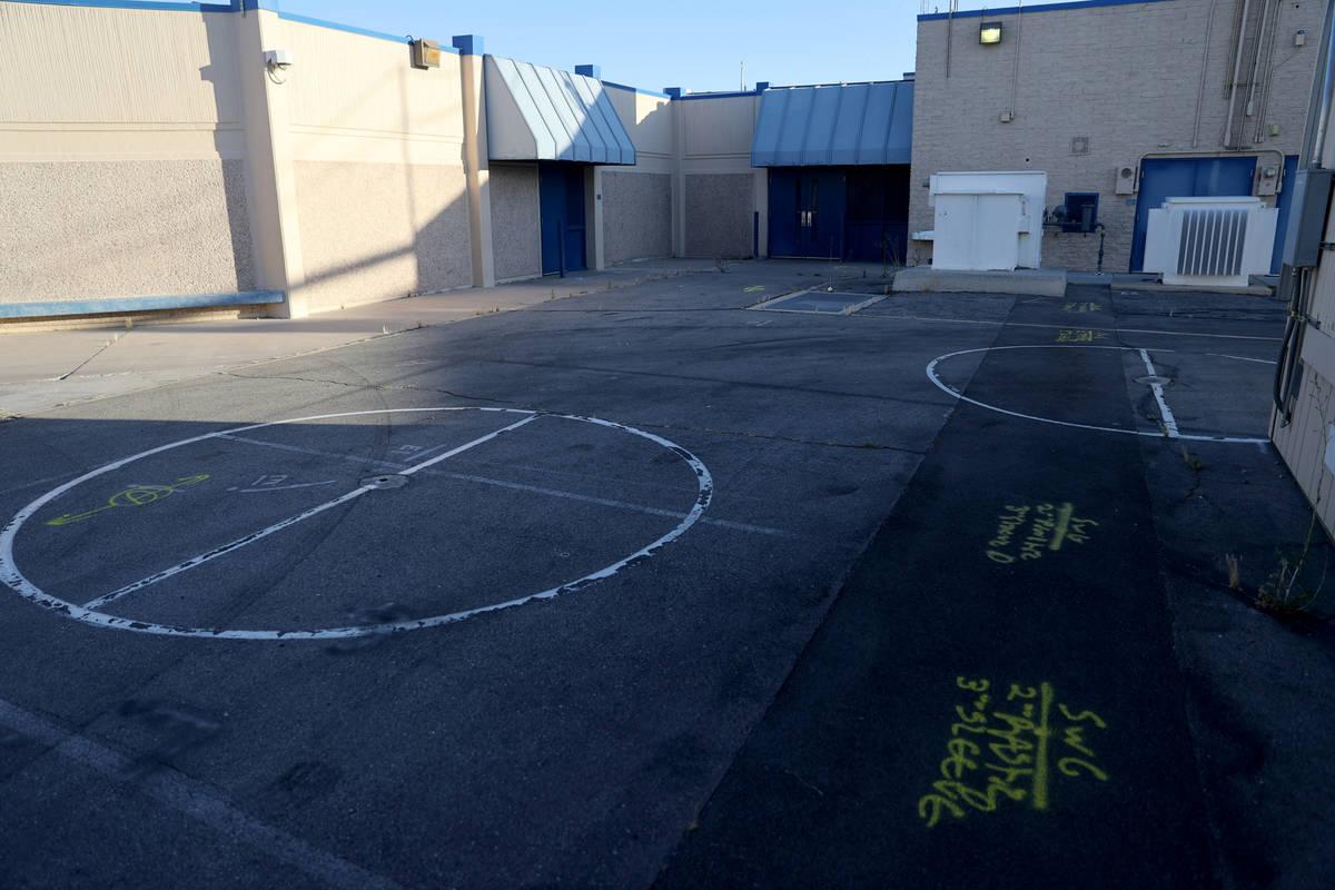 La Escuela Primaria Ferron en Las Vegas el miércoles, 27 de mayo de 2020. El Distrito Escolar ...