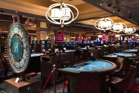 Juegos de mesa cerrados en el Bellagio el 16 de marzo de 2020, en Las Vegas. (L.E. Baskow/Las V ...