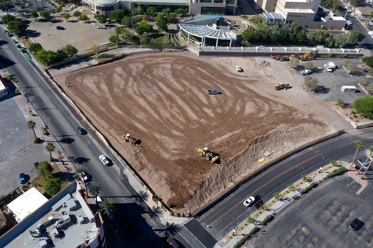 Comienza la preparación del sitio para la nueva Instalación de Hockey sobre Hielo de la Comun ...