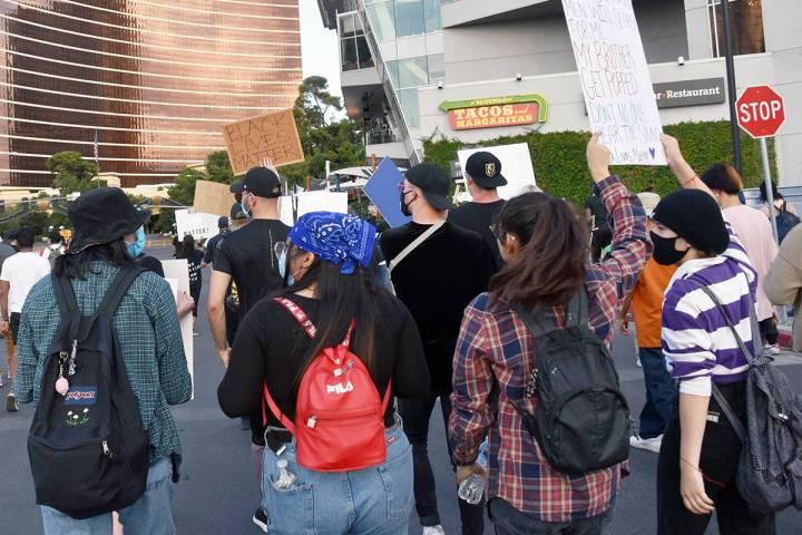 La decisión se produjo después de cinco días seguidos de protestas en Las Vegas para pedir u ...