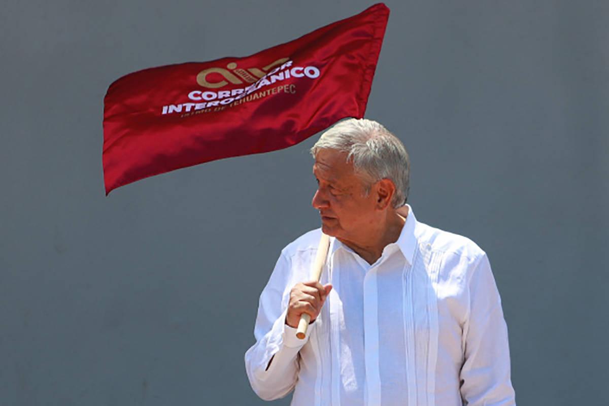 ARCHIVO. Sayula de Alemán, 7 Jun 2020 (Notimex-Francisco Estrada).- El presidente Andrés Manu ...