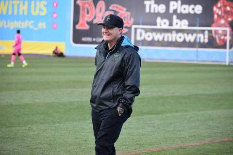 Archivo.- El entrenador de Las Vegas Lights FC, Eric Wynalda, se mostró contento con el desemp ...