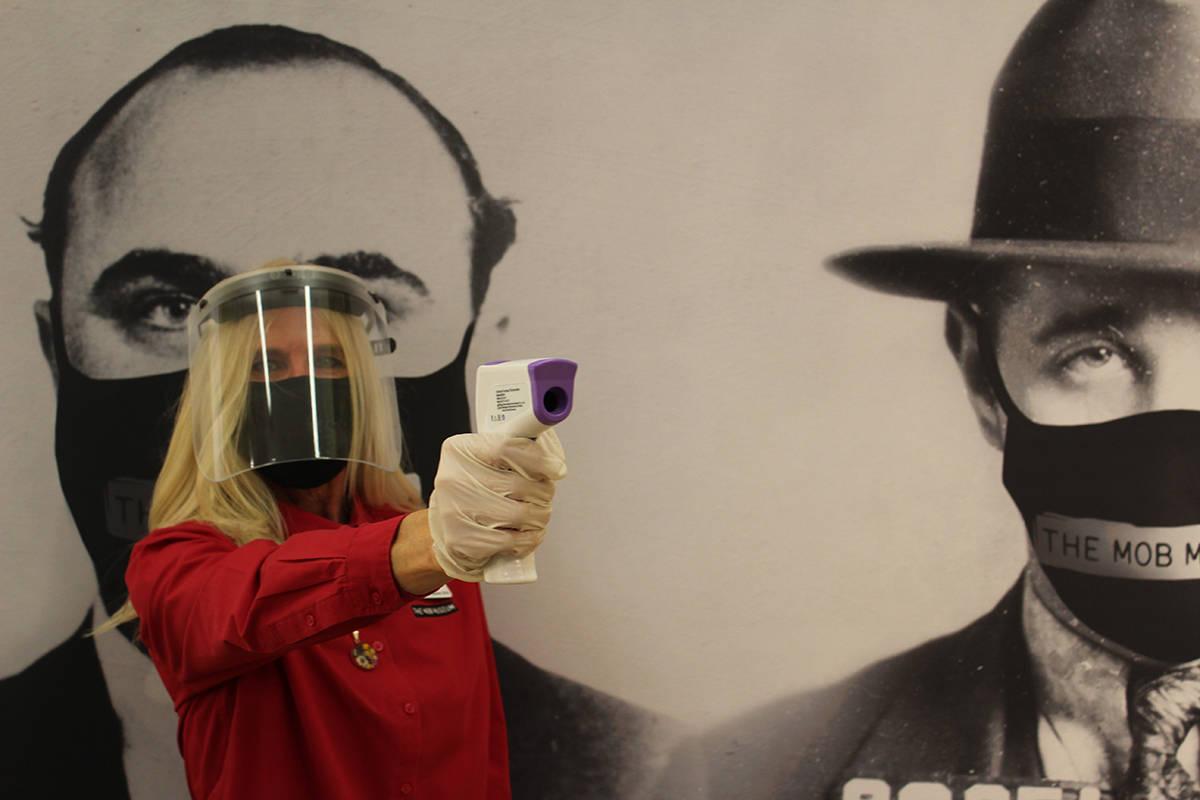 A la entrada del Museo del Crimen Organizado se le tomará la temperatura y se le obsequia una ...