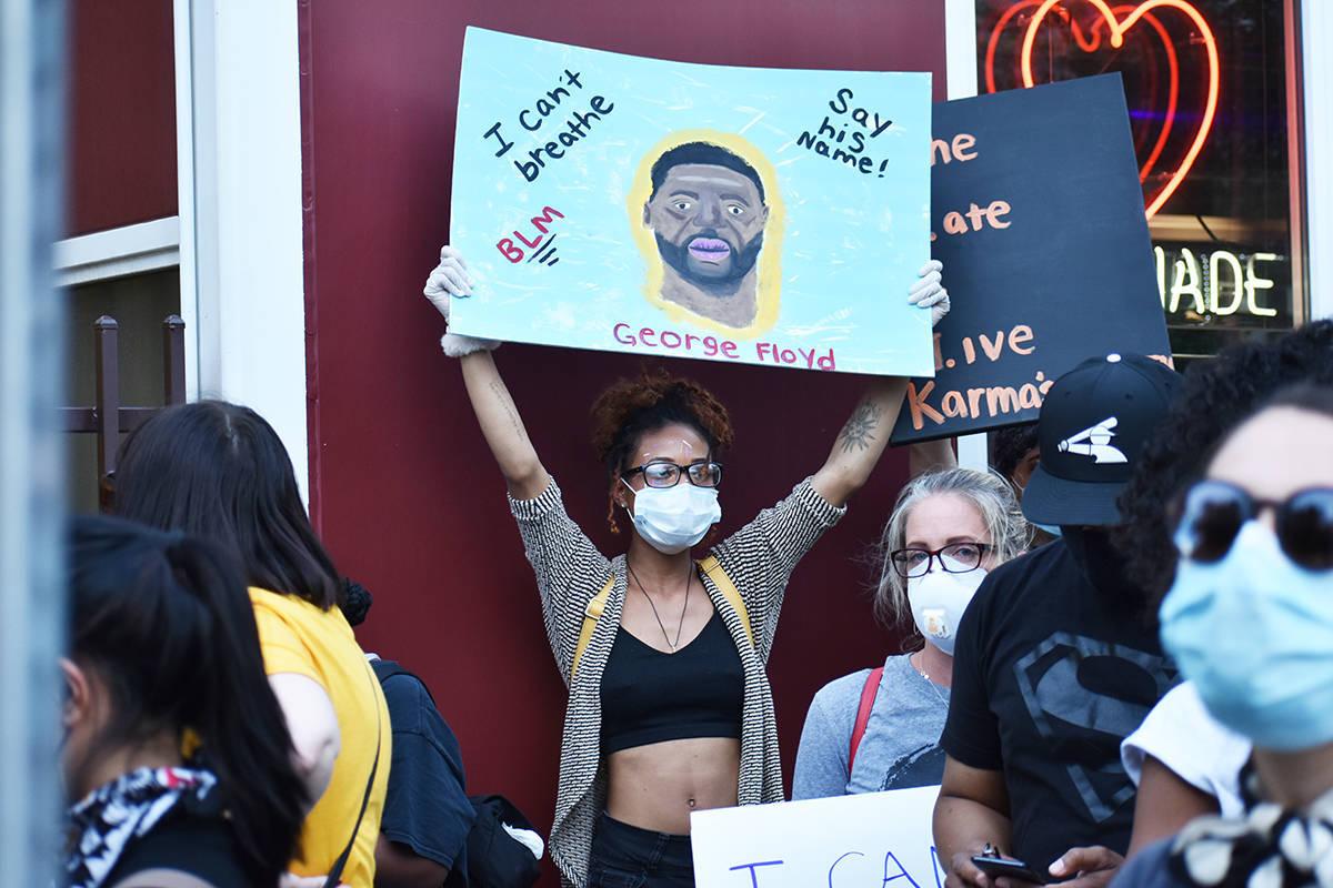 Archivo.- Cientos de personas participaron en la protesta por George Floyd, un hombre afroameri ...