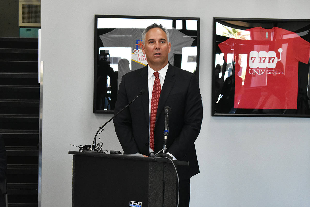El director ejecutivo de UMC, Mason VanHouweling, comentó que ha reducido el número de person ...
