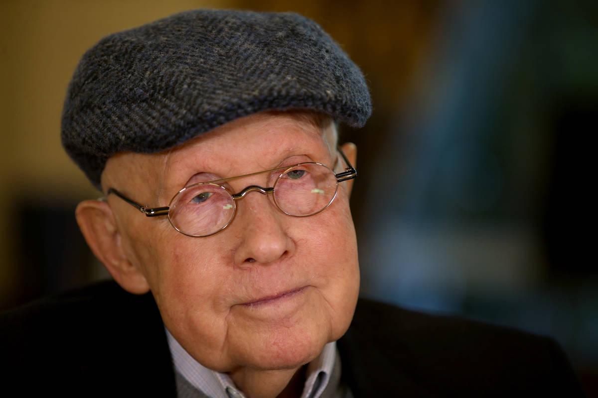El ex senador Harry Reid afirma que su cáncer de páncreas está en remisión gracias a una dr ...