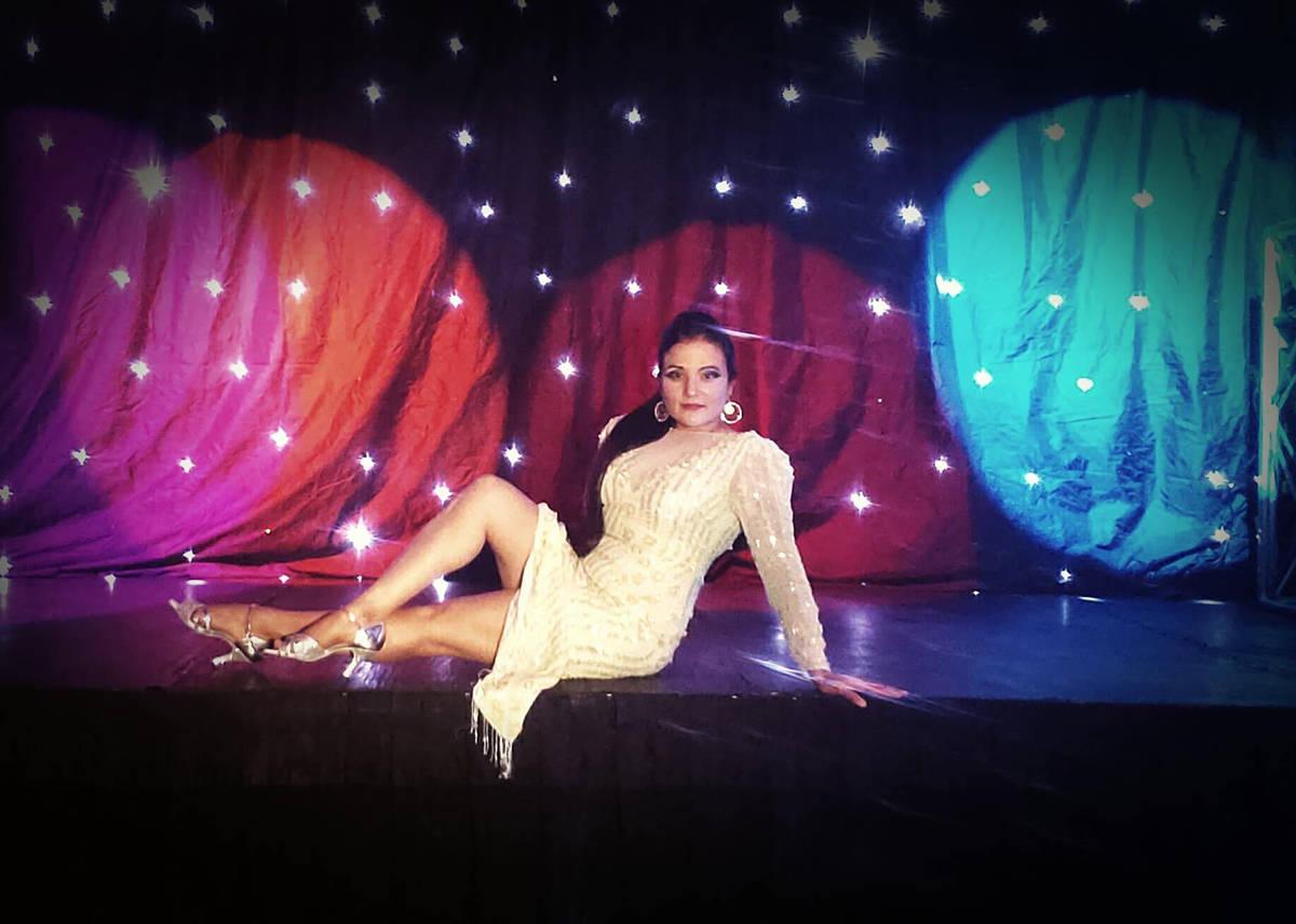 Cynthia Ríos siempre deleita al público con su energía sobre el escenario. [Foto Cortesía]