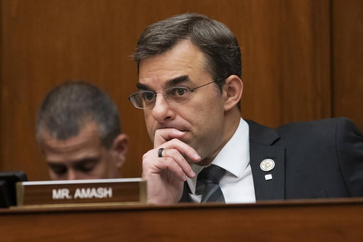 En esta foto de archivo del 12 de junio de 2019, el representante Justin Amash, republicano de ...