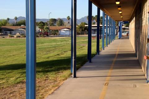Archivo.- La Escuela Primaria Ferron en Las Vegas el miércoles, 27 de mayo de 2020. El Distrit ...