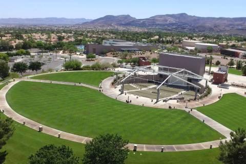 El Henderson Pavilion fotografiado el viernes, 15 de mayo de 2020, en Henderson. Una arena de h ...