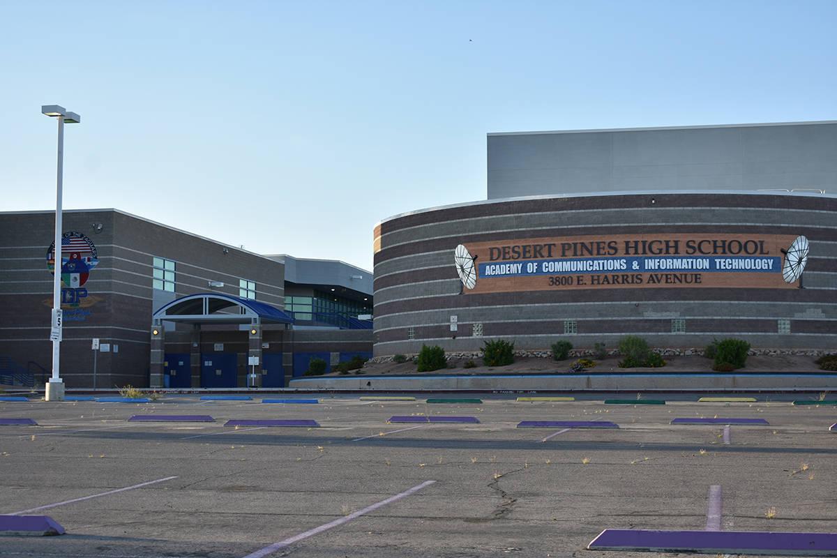 Archivo.- La escuela preparatoria Desert Pines luce totalmente vacía debido al cierre temporal ...