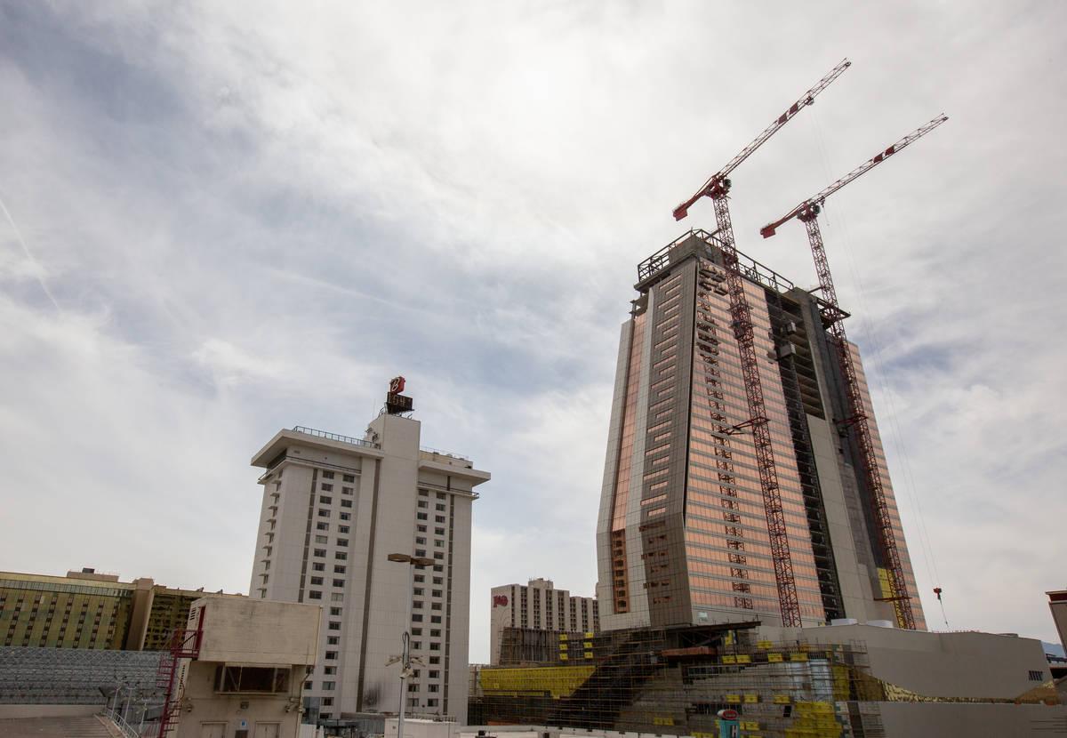 Circa en construcción en Las Vegas el miércoles, 24 de junio de 2020. (Chris Day/Las Vegas Re ...