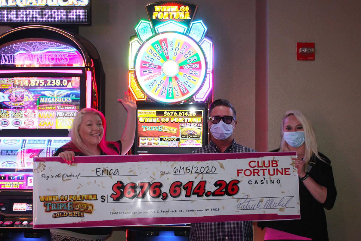13922769_web1_Club-Fortune-Casino-Jackpot-Wheel-of-Fortune.jpg