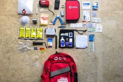 La Cruz Roja recomienda tener listo un kit para desastres. [Foto Cruz Roja Americana]