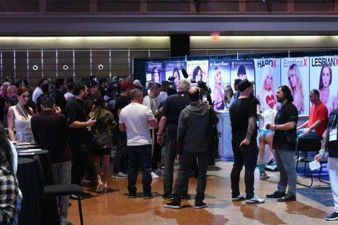 En esta foto de archivo, cientos de personas se dieron cita en la Expo del Entretenimiento para Adultos AVN 2020 en Las Vegas. Jueves 23 de enero de 2020 en el hotel y casino Hard Rock. [Foto Anthony Avellaneda / El Tiempo]