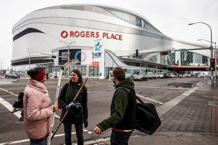 Rogers Place en Edmonton, Alberta. 12 de marzo de 2020. (Jason Franson/The Canadian Press via A ...