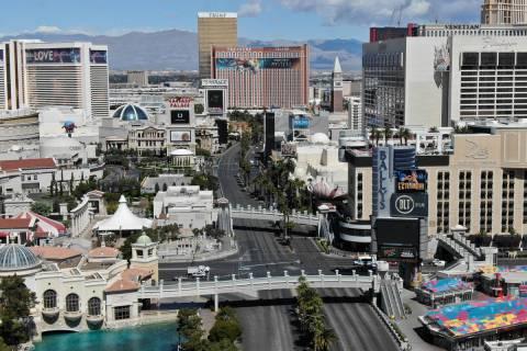 Una foto aérea del Strip de Las Vegas después de que todos los casinos de Las Vegas hayan cer ...
