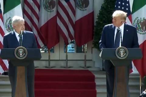 El presidente de EE.UU., Donald J. Trump, y el presidente de México, Andrés Manuel López Obr ...