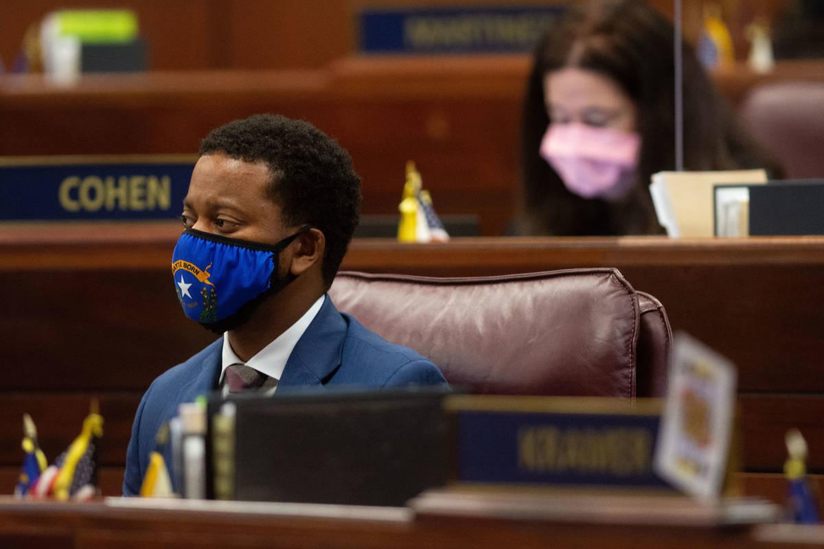 El asambleísta de Nevada, William McCurdy II, dentro de las cámaras de la Asamblea el primer ...