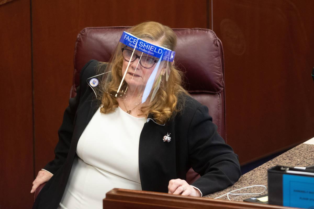 La asambleísta de Nevada, Maggie Carlton, en el primer día de la 31ª Sesión Especial de la ...