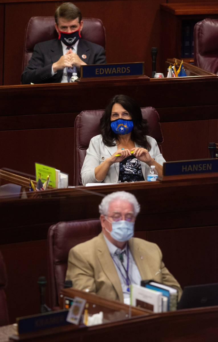 Desde arriba, el asambleísta de Nevada, Chris Edwards, la asambleísta Alexis Hansen y el asam ...