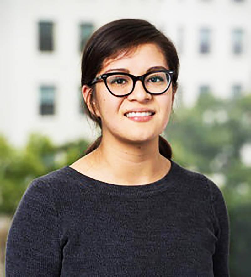 Dulce González se desempeña como analista de investigación en el Centro de Políticas de Sal ...