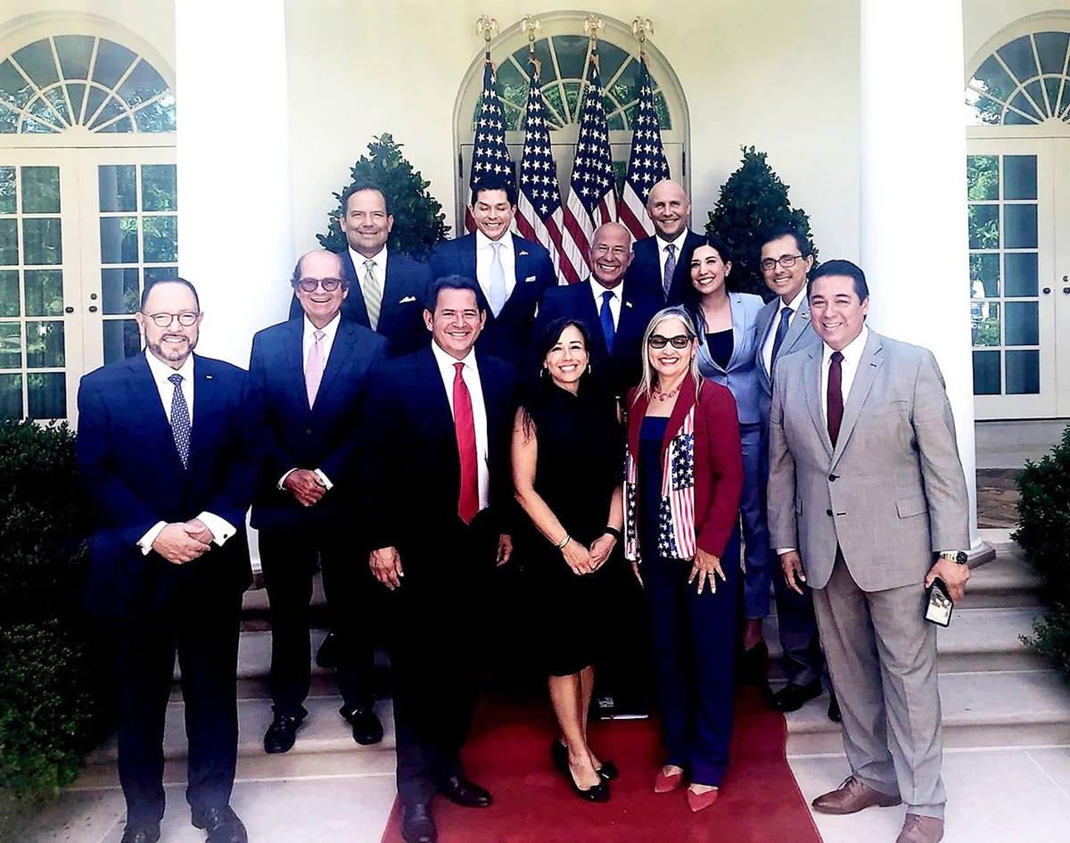 Líderes latinos de distintos estados del país conforman el Grupo de Trabajo Interagencial par ...