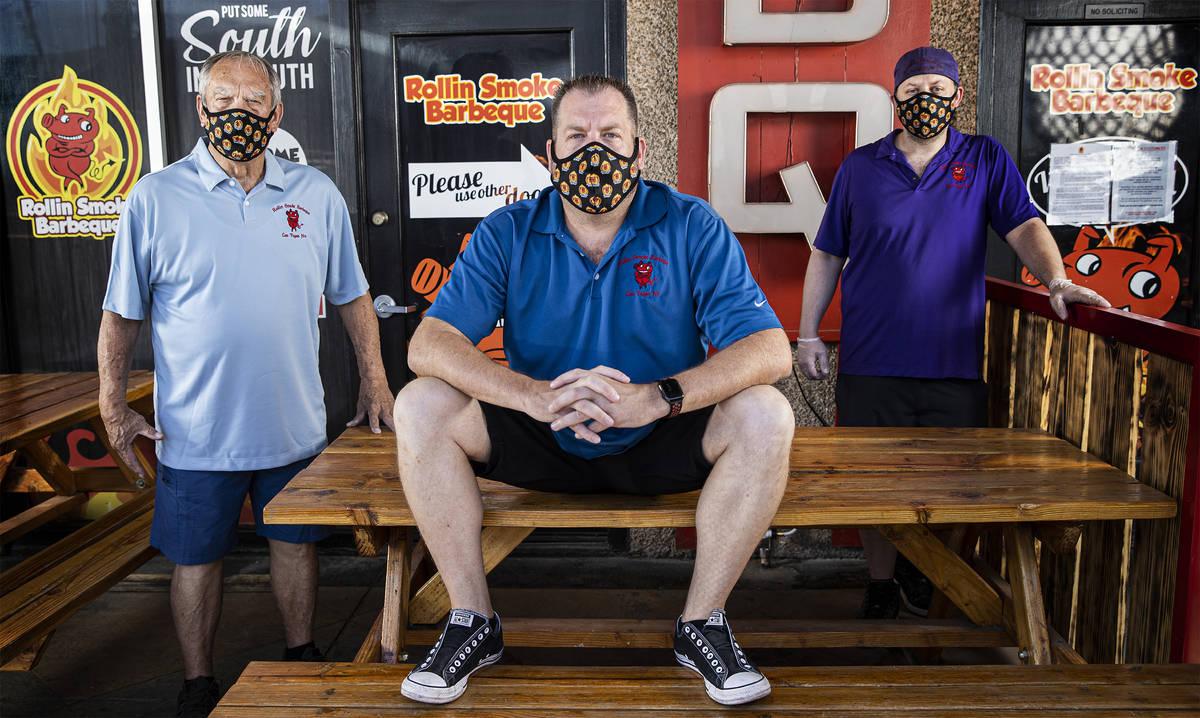 Los propietarios Lee Holland, John Holland y Dusty Ardoin en Rollin' Smoke BBQ el miércoles, 1 ...