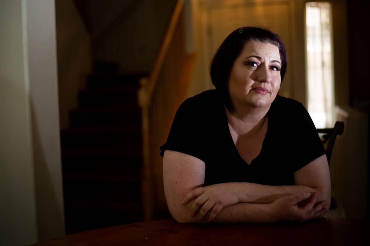 Laura Shipton en su casa en Las Vegas el miércoles, 22 de julio de 2020. El esposo de Shipton ...