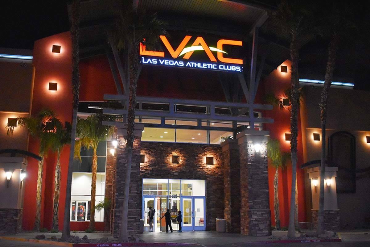 Las Vegas Athletic Club anunció que cerrará sus vestidores y duchas a partir del domingo, 26 ...