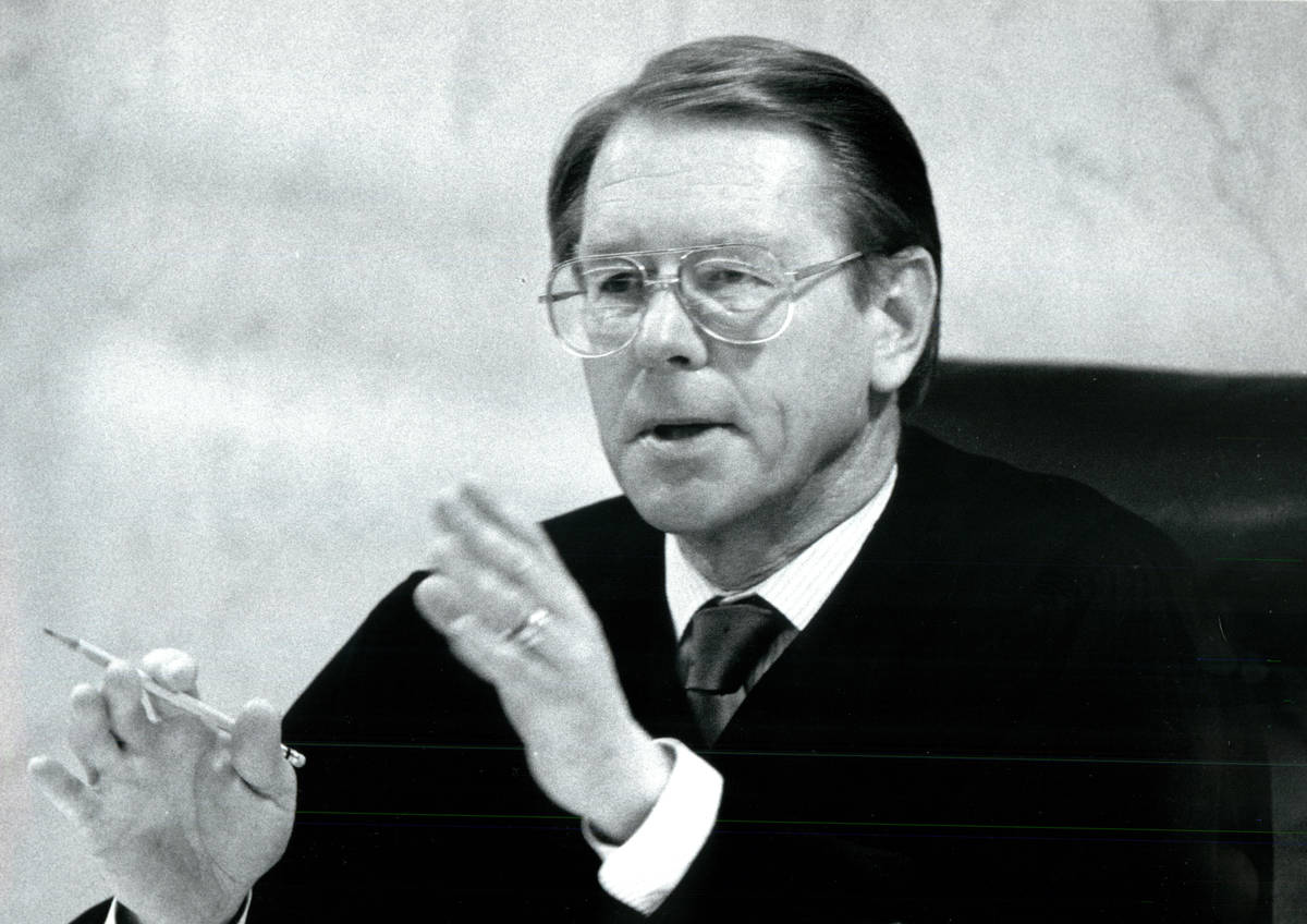 El juez de distrito, J. Charles Thompson, personalmente no estuvo de acuerdo con el jurado e in ...