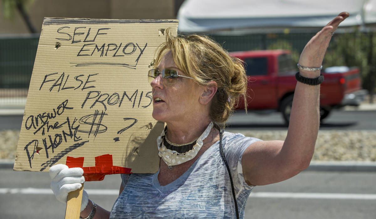 La trabajadora autónoma, Georgeena Hale, está frustrada por la falta de respuesta del DETR mi ...