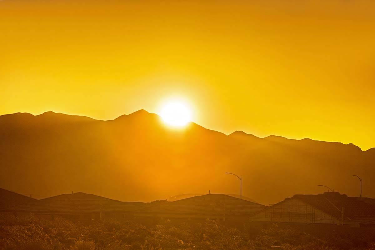 El Valle de Las Vegas está incluido en una alerta de calor excesivo que comienza el jueves y c ...